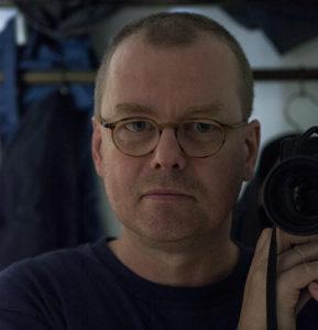 Portrait Theo Thiesmeier mit Kamera